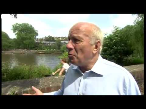 BBC News   FA chairman Greg Dyke would support Qatar World Cup re vote