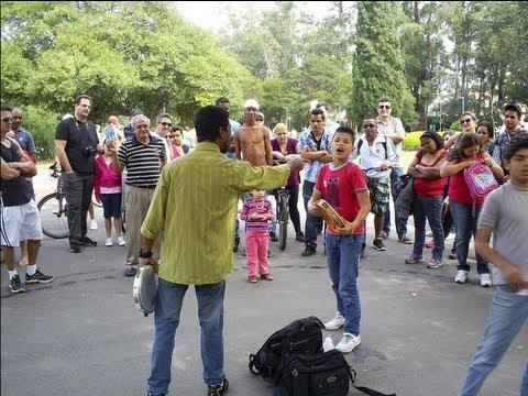 Irmãos Repente e seu Pai no Parque do Ibirapuera! Engraçado