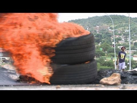 Rioters set South African townships ablaze