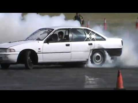 1 METHV6 HOLDEN VP SUPERCHARGED BUICK V6 COMMODORE BURNOUT AT BUNROUT WARRIORS 8 13 12 2014