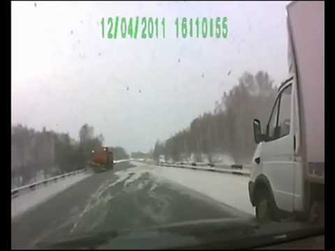 Insane Truck Drifting! Lucky Truck Driver Avoids Winter Head-on Collision