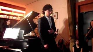 Silvador profesional interpreta a Mozart