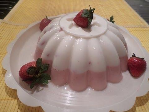 Gelatina Combinada de Yogurt con Fresa