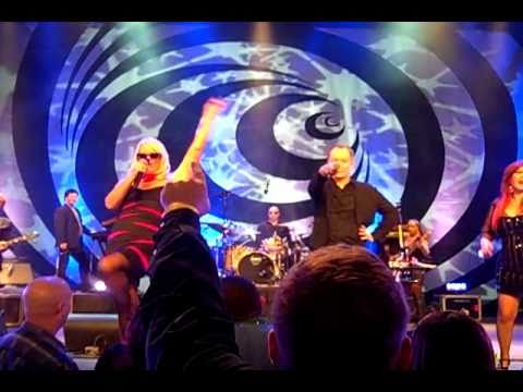 The B-52s 02.18.11 Athens GA - YouTube