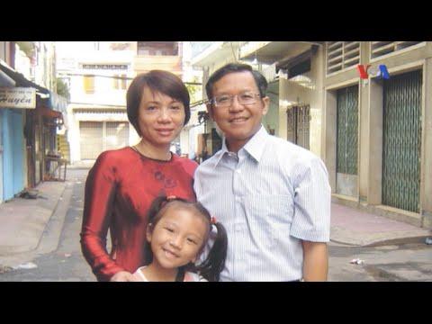 Công an phá lớp học kỹ năng sống của thầy Phạm Minh Hoàng