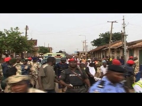 Twin Nigeria car bombs kill more than 100 in Jos