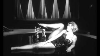 Italian Showgirl Semi-Striptease From 1964 Italian Comedy