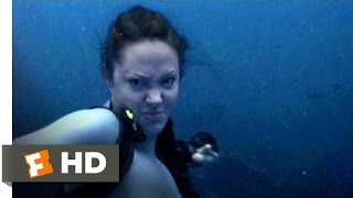 Lara Croft Tomb Raider 2 (1/9) Movie CLIP Shark Punch