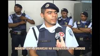 Homem � preso com meio quilo de coca�na tentando embarcar na Rodovi�ria da capital
