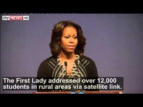 Khám phá   Video   Michelle Obama tries her hand at tai chi at school in China trên Netlog