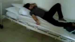 Pipin Tower - pasien sakit jiwa menghibur pasien sakit demam.3GP view on youtube.com tube online.