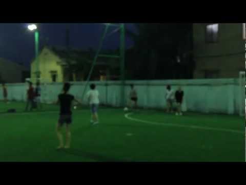 Chim két vs Chim cánh cụt 3 - Studio8.vn