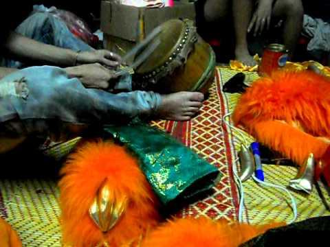 đoàn lân sư rồng Bạch Ngọc Đường _ Huế ( 0909309446 ) làm Lân Trung Thu 2011 part2