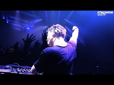 Hardwell - Everybody Is In The Place (Live At I AM HARDWELL) (Official Video HD)
