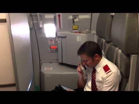 Instrukcje bezpieczeństwa w samolocie... po śląsku?!