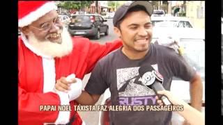 Papai Noel taxista faz a alegria de passageiros na capital