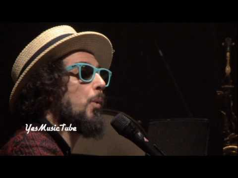 Vinicio Capossela - Una Giornata Perfetta + Il Paradiso dei Calzini Live (Solo Show Alive DVD)