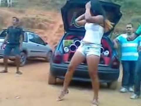 Som massa,quase Mulher nua dançando no som altomotivo