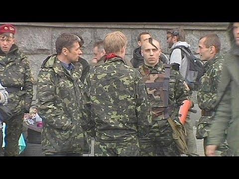Ukraine vote to disarm militias puts Right Sector in spotlight