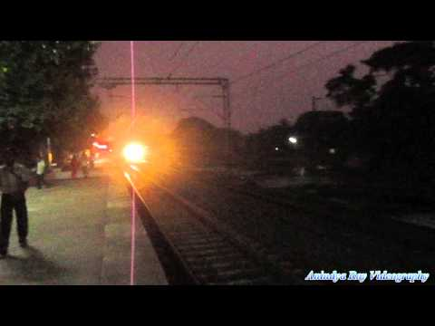 Inaugral run of First AC Double Decker Express ( Howrah-Dhanbad) : First HD Video in Youtube