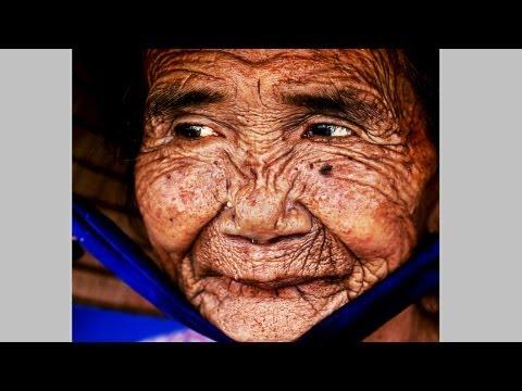 Како 100 годишна баба повторно се претвора во млада и убава девојка?