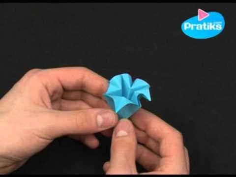 origami comment faire une fleur en papier facile youtube. Black Bedroom Furniture Sets. Home Design Ideas