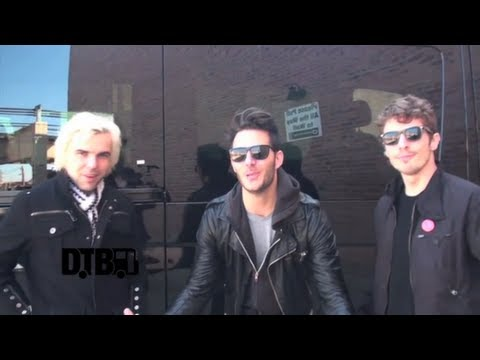 New Politics - BUS INVADERS Ep. 423
