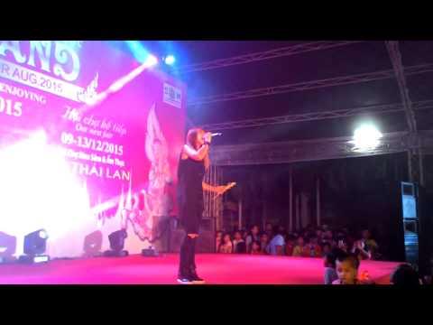 [8.8.2015] Thà Rằng Như Thế + Mãi Yêu Anh + Nhớ Không Anh + Người Yêu Cũ - Khởi My @Hội Chợ Thái Lan
