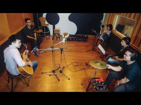 Sơn Tùng M-TP - Em của nắng ấm ... ngang qua [Mashup] [Acoustica Live Session]