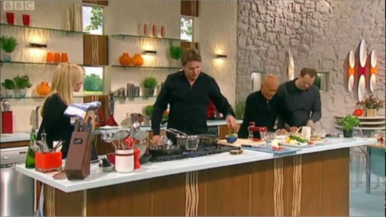 James Martin cooks Lobster ravioli with lobster sauce for Emma Bunton - YouTube