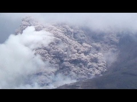 Mount Sinabung continues to spew ash - no comment