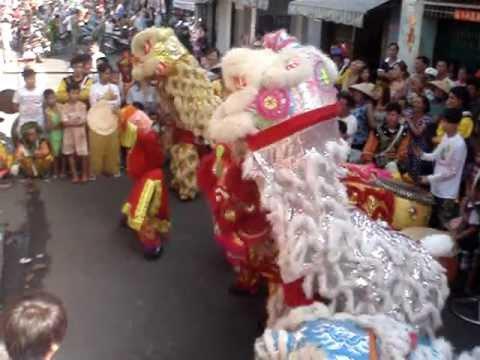 Đoàn Lân Sư Rồng Đông Phương Q5..Múa Lân 2013