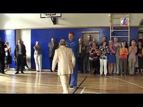Смотреть видео Cпортивный зал Cредней школы вечерних смен