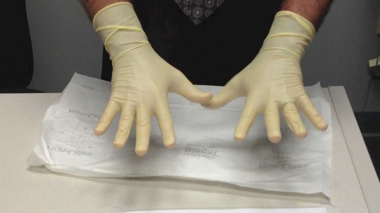 how to put on sterile gloves How to insert a catheter wash your hands and put on sterile gloves gloves are an important part of the ppe (personal protective equipment.