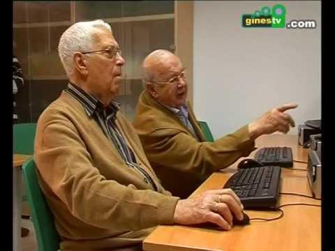 Comienza el curso de iniciación a Internet para los mayores de Gines