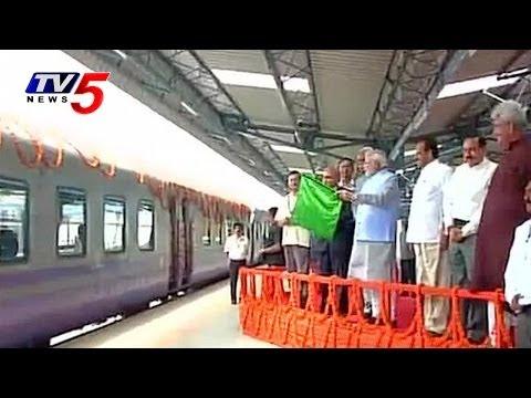PM  Narendra Modi flags off New train to 'Vaishno Devi' : TV5 News