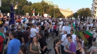 [Protest in Sofia 22.06.2013 in front of Parliament  in Full ...]