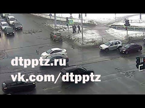 На Красноармейской подрались водитель и пешеход