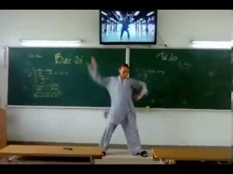 Thầy Chùa Phá Giới, Nhảy Roly Poly - Cười vỡ ruột =)))