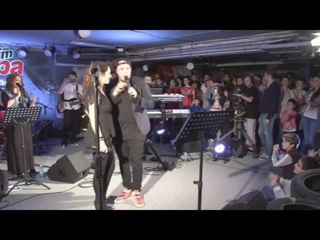 Andra & What's UP - Taxi | LIVE in Garajul Europa FM