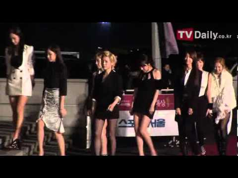 SNSD at 21st High1 Seoul Music Awards red carpet by TVDaily