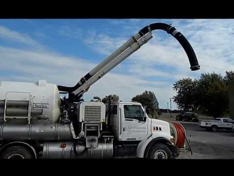 1997 Ford L8501 Louisville 101 sewer cleaning truck for sale | no-reserve auction December 3, 2013