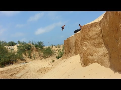 Awesome !! The Best Video Parkour & freerunning team 3run gaza (2013-2014)