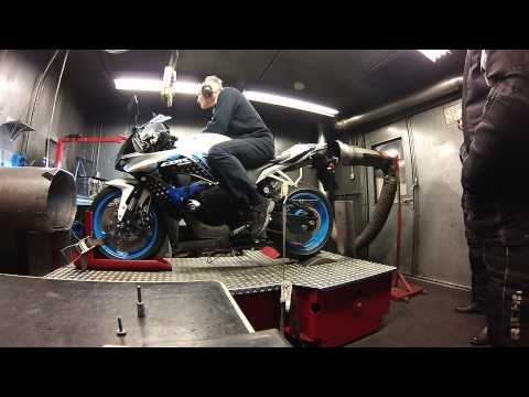 Dyno run Honda CBR 600RR akrapovic