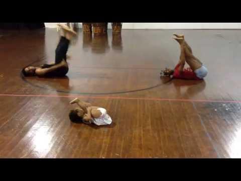 Прекрасната кореографија на 2-годишната Заја, што ја измисли додека се снимаше видеото