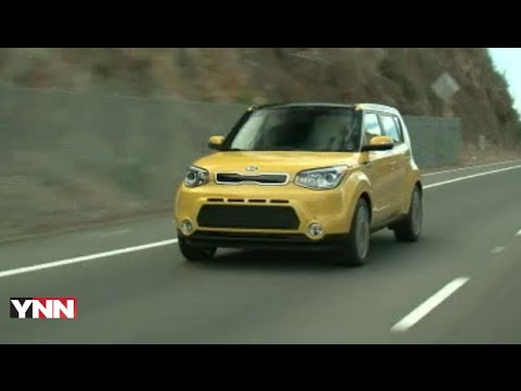 2014 Kia Soul: Expert Car Review by Lauren Fix