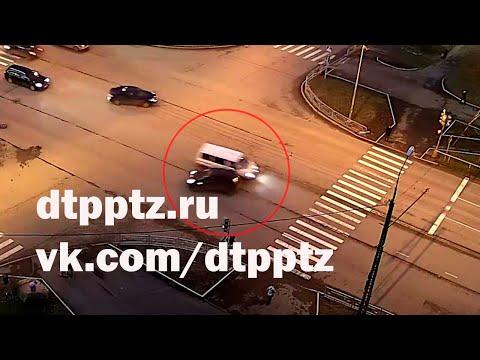 На улице Ровио столкнулись два автомобиля