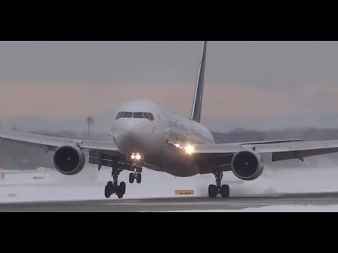 Amazing Snow Crosswind Landings - Plane Spotting Chicago O'Hare International Airport