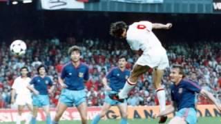 Marco Van Basten compie 50 anni: ripercorriamone la carriera