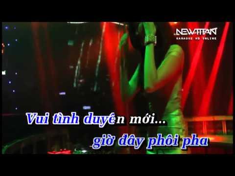 Karaoke Nửa Vầng Trăng Remix 2015